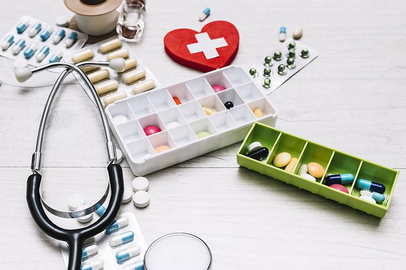 สิ่งที่ต้องรู้เมื่อต้องใช้ยาประจำตัว เพื่อความปลอดภัยของคุณ